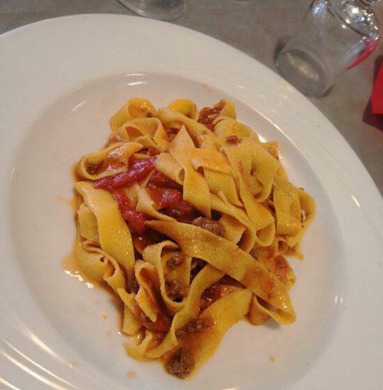 Fettuccine al ragù – IL GABBIANO – Serravalle Scrivia