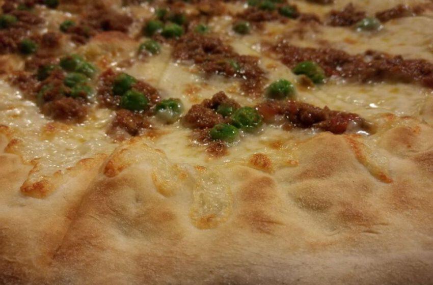Pizza con il ragú – Taverna Del Gallo – Bergamo