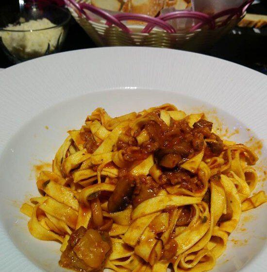 tagliolini funghi e salsiccia – URBAN BBQ