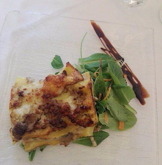 lasagne al ragù bianco e porcini – VILLA MERAVILLE RISTORANTE