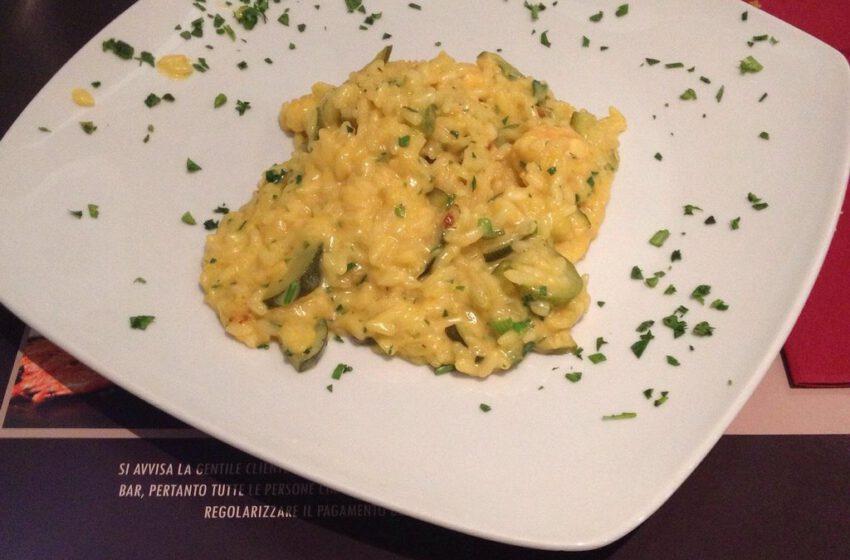 Risotto allo zafferano, con scampi e zucchine-GUSTO DEL MARE FUSION-Savona