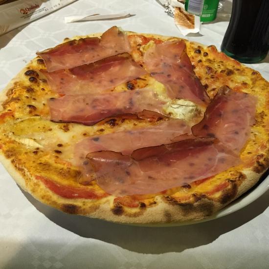 Pizza speck e brie-IL LAGHETTO – Torino