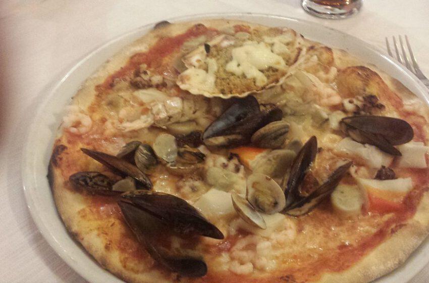 pizza ai frutti di mare-IL VECCHIO CORSARO