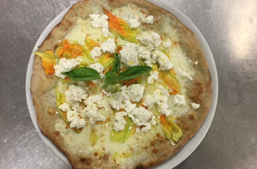 Pizza con fiori di zucca-LA PERLA DEL LAGO
