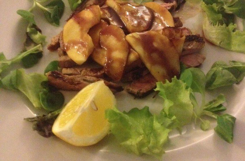 Tagliata di Fassone con mele caramellate-LE TERRAZZE – Torino