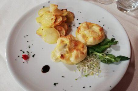 Sfogliatine gorgo e pere con patate-OSTERIA LA CALLA NERA – Torino