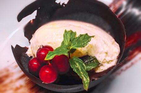 fondente con ribes e mousse di cioccolato bianco-PERLA NERA-Venezia