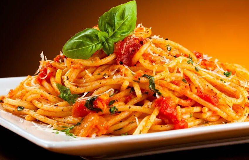 Spaghetti al pomodoro-VILLA RAZZOLINI LOREDAN SALA 1